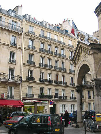 Paris apartment building: 6th arrondissement rue des Chartreux; Luxembourg Gardens